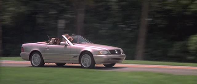 Mercedes SL500 in Heartbreakers, driven by Sigourney Weaver