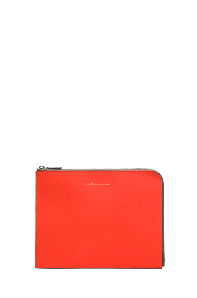 WANT les Essentials de la Vie iPad case