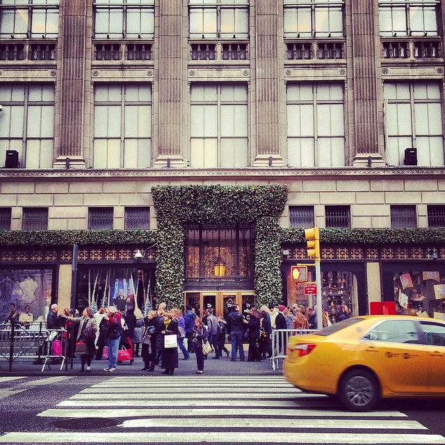 Saks Fifth Avenue Store: What Is Saks Fifth Avenue?